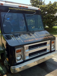 grilled-cheeserie-food-truck